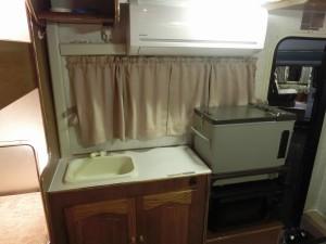 グランドハイエースキャンパー キッチン