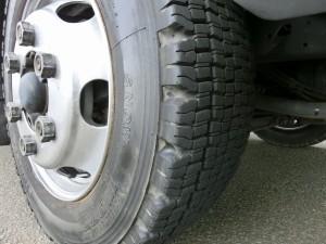 フラトップ総輪スタッドレスタイヤ装着