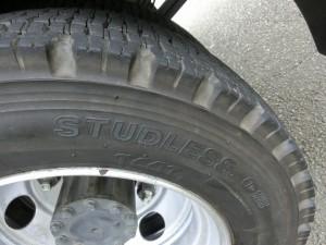 フラトップ総輪スタッドレスタイヤ装着2